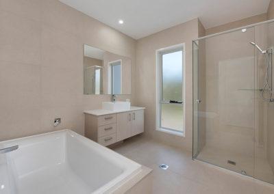 mcclamon drive pelican waters bathroom 2