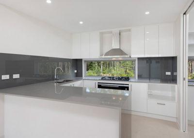 mcclamon drive pelican waters kitchen